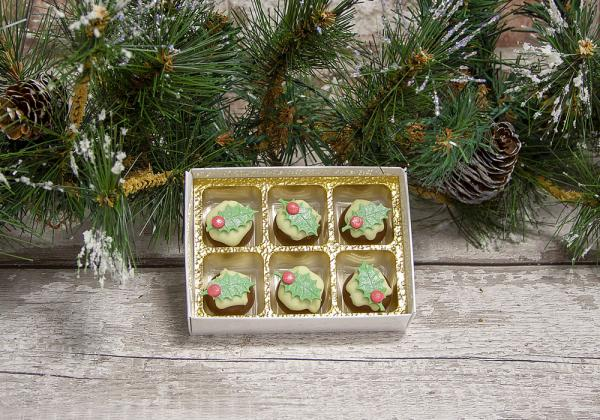 Mini Christmas Pudding Truffles by Xocolate